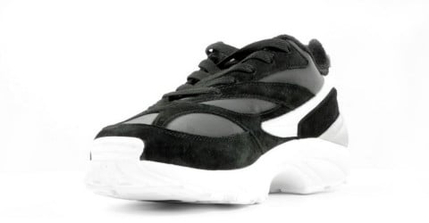 Sneakers - FILA - V94M R Low Black/White Herensneakers