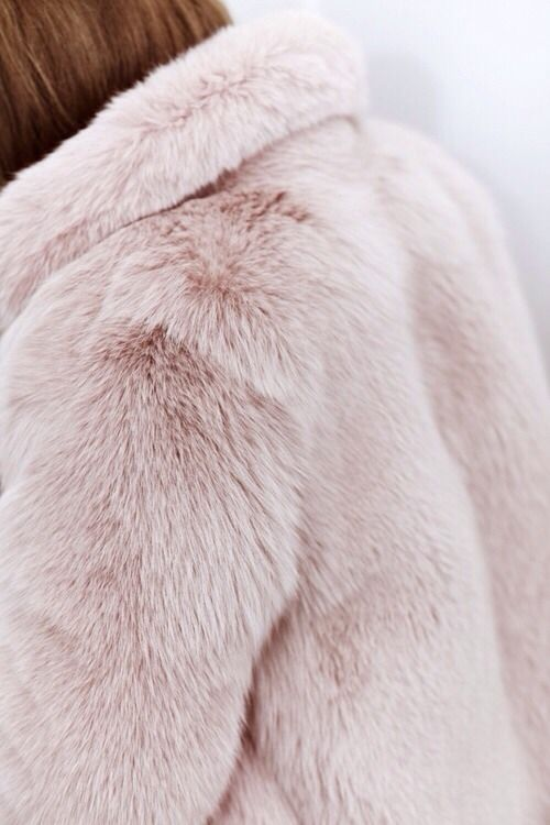 Faux / Fake Fur – FASHION MUSTHAVE
