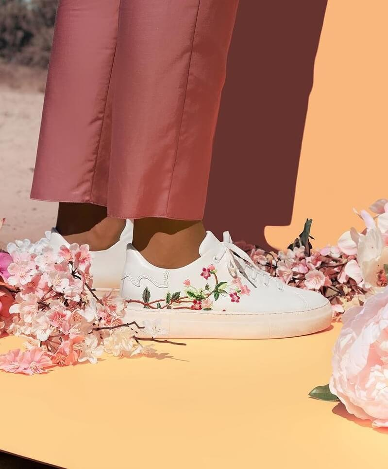 Borduursels / Embroidery / Stitch / Patch -  SCHOENEN TREND
