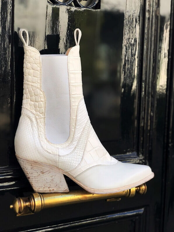 Witte chelsea boots in western style Elena Iachi