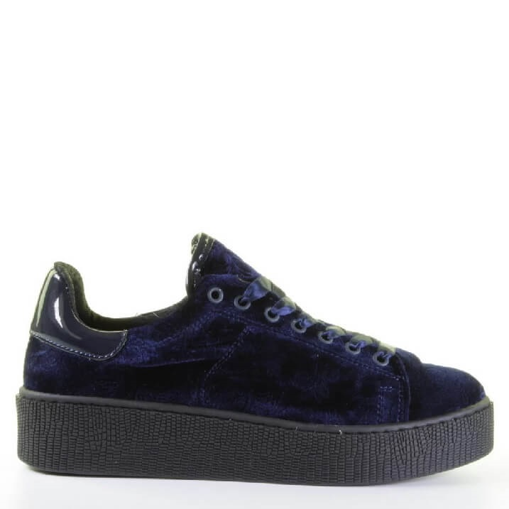 Miss Behave donkerblauwe velvet platform sneakers dames