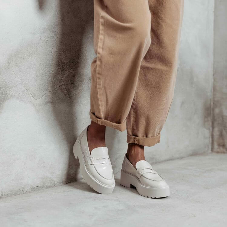 VIA VAI chunky loafers Lois Bell wit lakleer