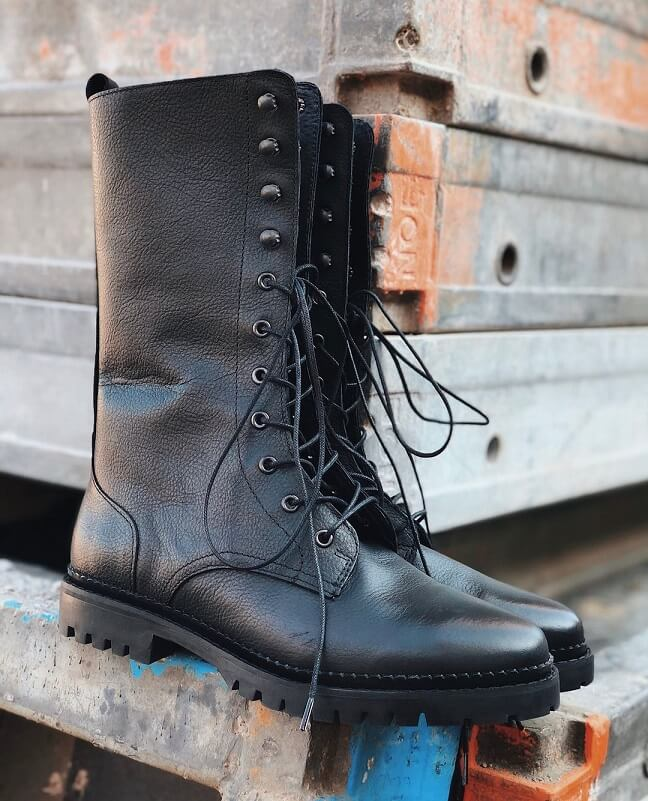 Zwarte hoge veterboots Miss Behave